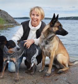 Memea Mohlin är hundägarcoach, hundpsykolog och författare till ett flertal hundböcker.