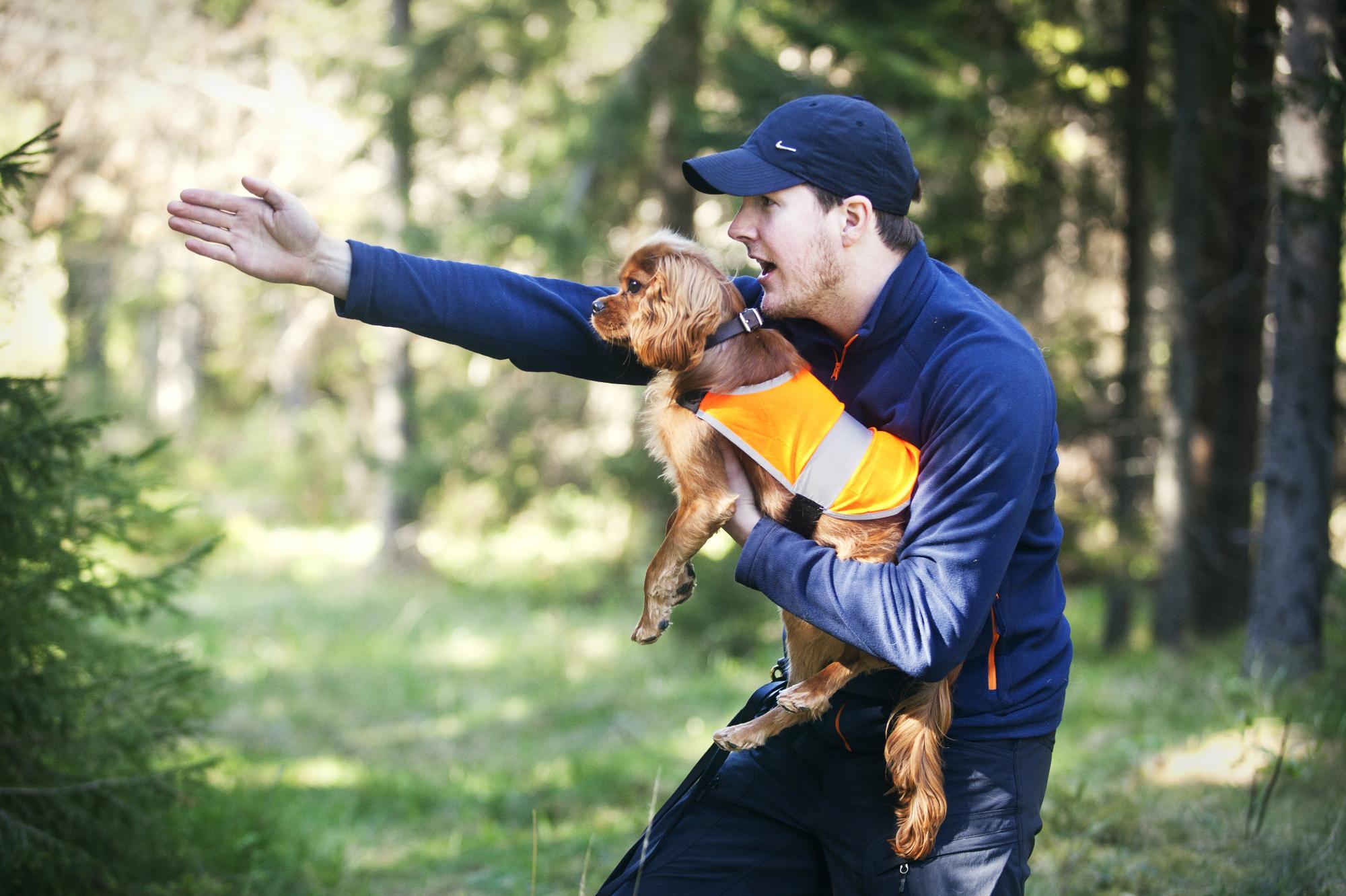 Svenska Hundklubben arrangerar ett läger för sina medlemmar och HE berättade om detta och SHK i ett långt reportage.<br />Klicka på bilden för att komma till reportaget.