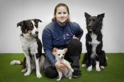 <span>Isabelle med hundarna Iris, \