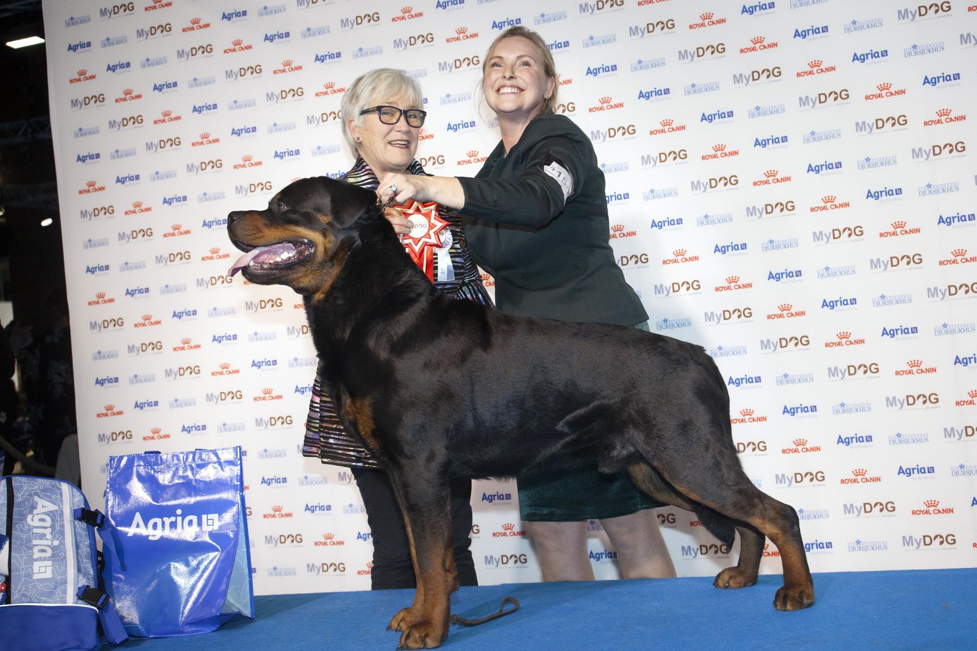 I fotobåset: Ia O'shea & RottweilernPoker \