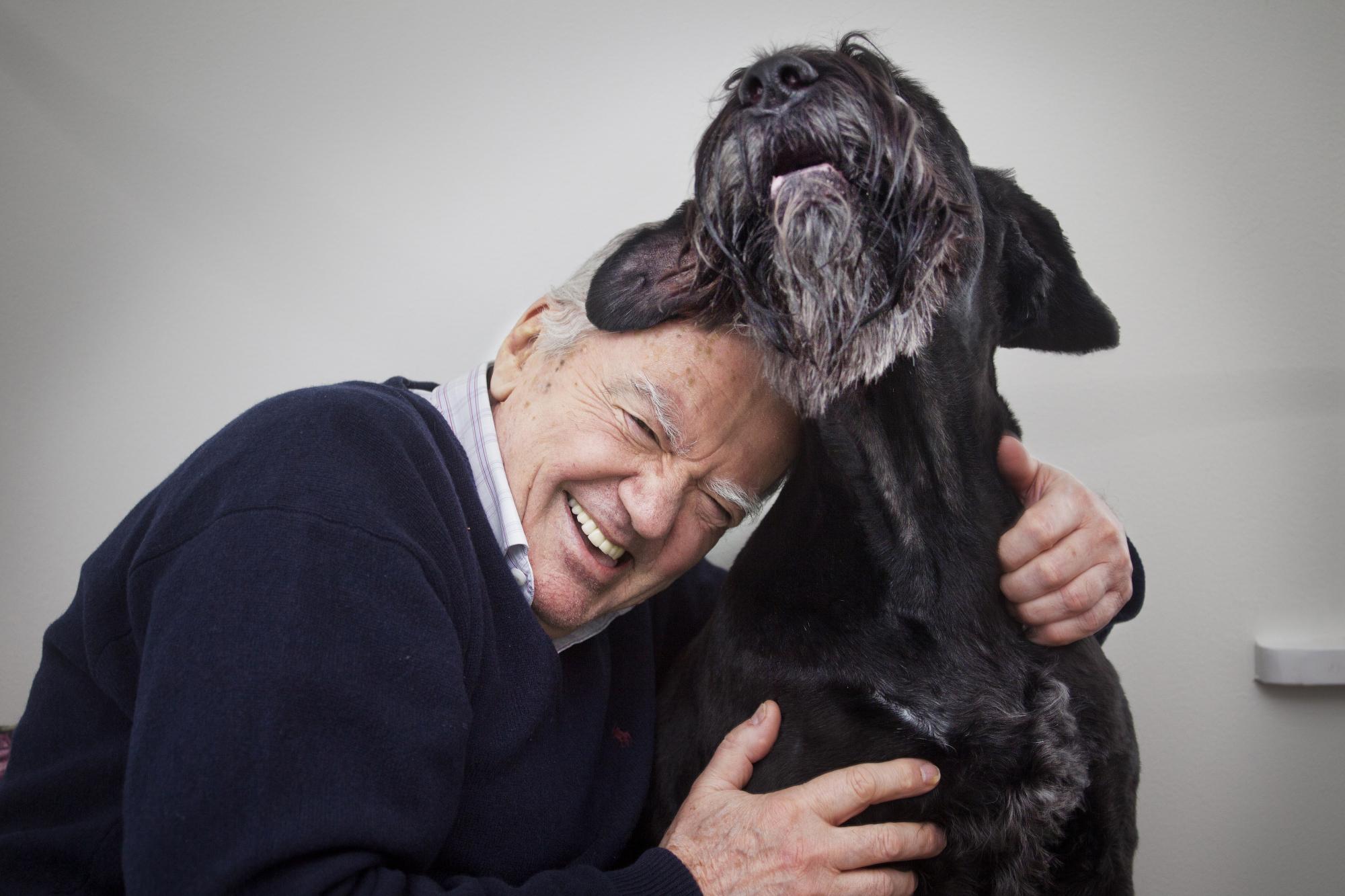 Förutom den hjälp somGyörgy har fått av sina hundar i sin forskning värdesätter han samvaron med dem.