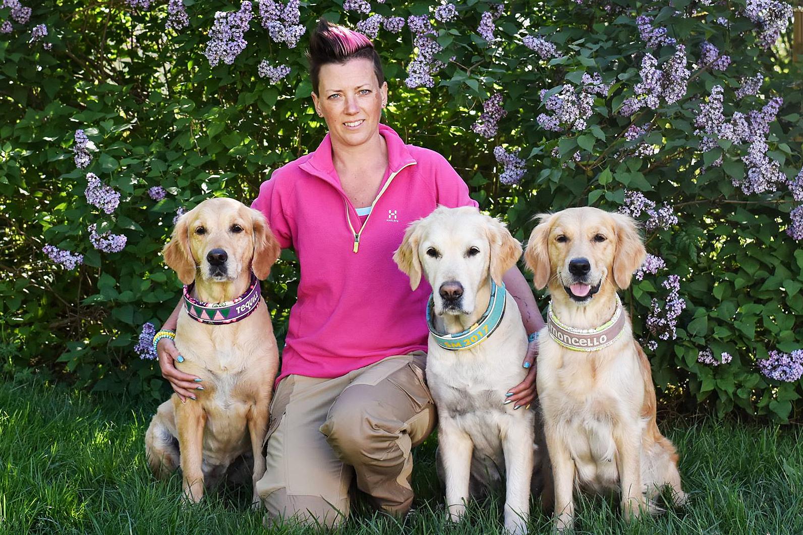 Hanna Nilsson har kvalat in tre hundar till SM i rallylydnad.
