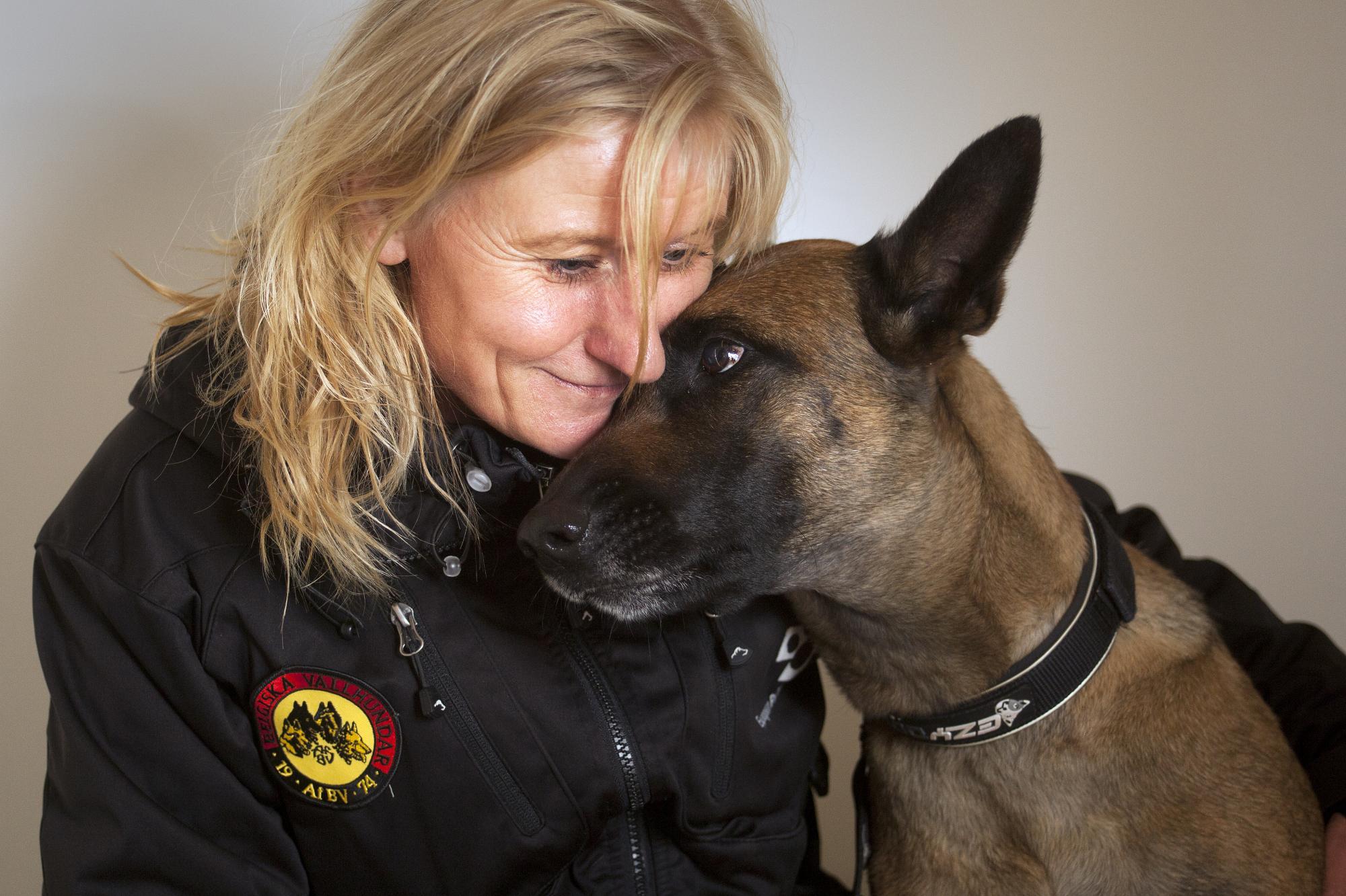 Kattis Karlsson och hennes hund \