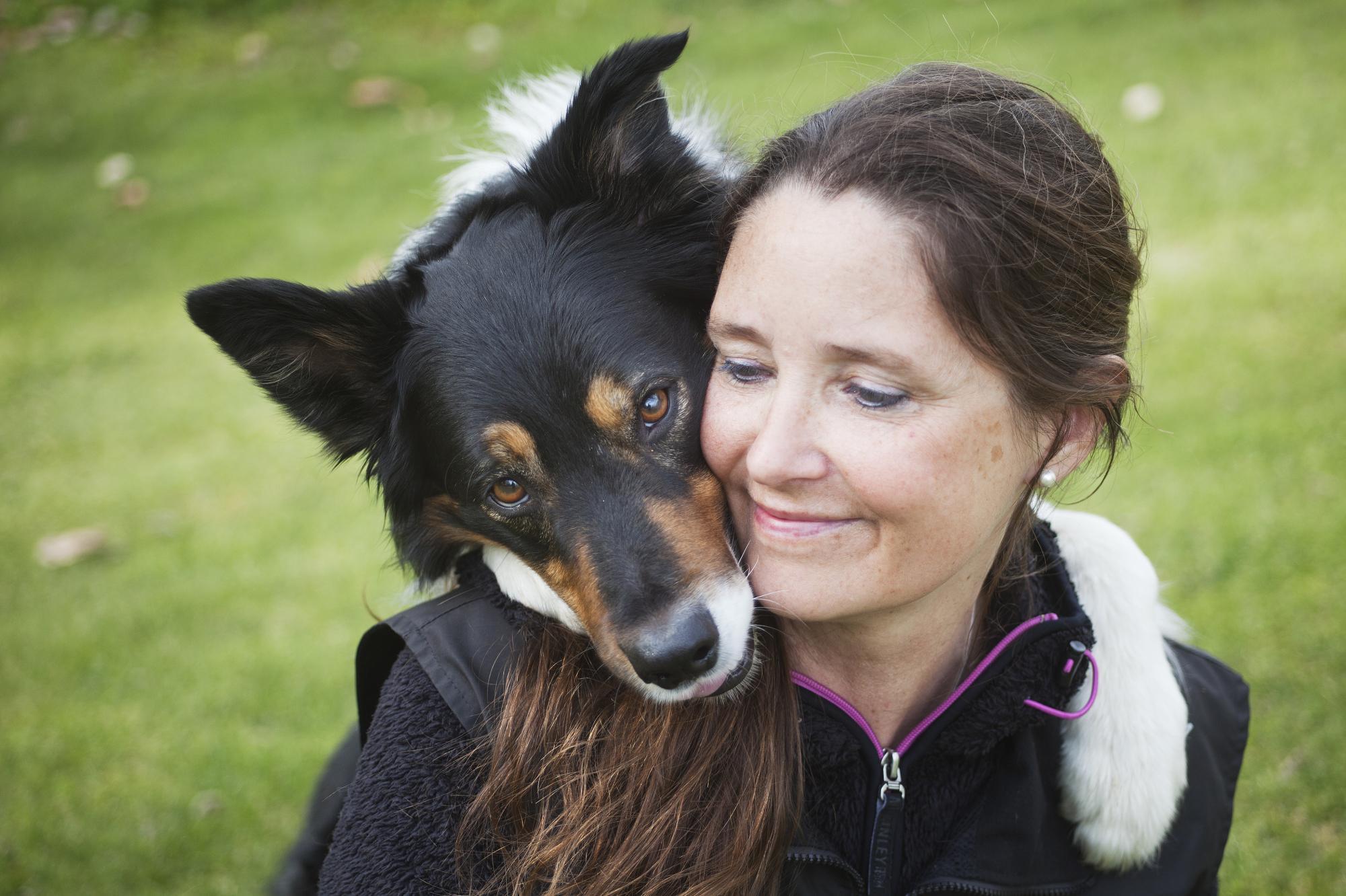 Tidningen Hundetablissemanget har tidigareskrivit om Freestylesporteni andra artiklar. Lizette Olausson, som även hon tävlar på högsta nivå, tipsar Hundetablissemangets läsare i en artikel och podd-radio. Ta del av hennes tips genom att klicka på bilden.